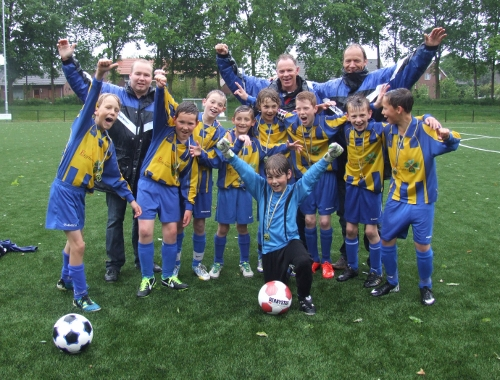 ST SV United-BVV'27 E1 Kampioen voorjaar 2014
